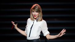 Taylor Swift Stunning Wallpaper