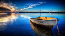 Old Boat Floating HD Wallpaper