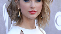 Award of Excellence Winner Taylor Swift HD Wallpaper