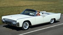 1961 Lincoln Continental HD Wallpaper